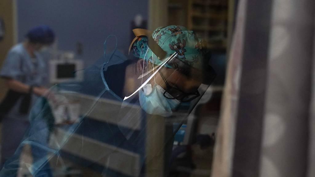 USA: Mehr als 283 000 Neuinfektionen - über 3500 Tote