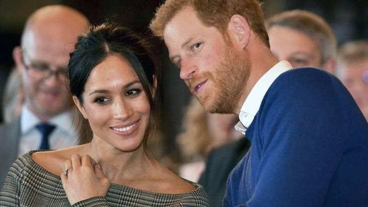 Prinz Harry und seine Braut Meghan Markle wollen an ihrer Hochzeit ordentlich bejubelt werden. Darum laden sie über 2500 Zaungäste auf Schloss Windsor ein. (Archivbild)