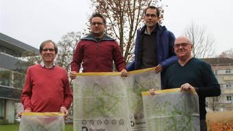 Sie haben das Pilotprojekt vorgestellt (v. l.): Bruggs Vizeammann Leo Geissmann; Sven Schutzbach, Abteilung Planung und Bau Windisch; Bernhard Barmet, Abteilung Planung und Bau Brugg, und Urs Geissmann, Geschäftsführer Daetwiler AG.