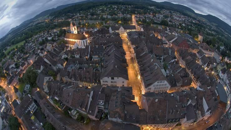 Die Altstadt von Aarau vom Oberturm herab fotografiert
