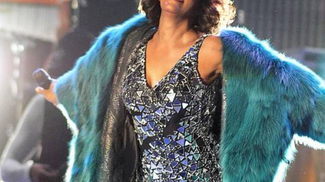 Whitney Houston verschiebt Tour-Daten
