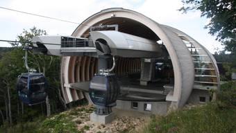 Der Lagerraum der Bergstation wird zu einer Gaststube mit 50 bis 60 Sitzplätzen ausgebaut.