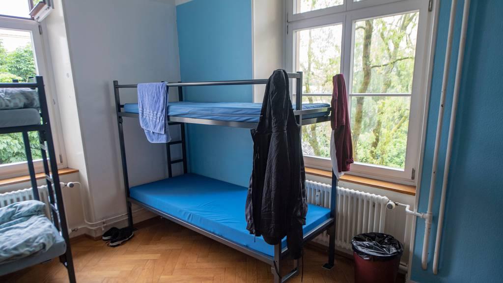 Wegen der Corona-Pandemie waren in den Asylunterkünften wohl einige Betten mehr unbesetzt als üblich.