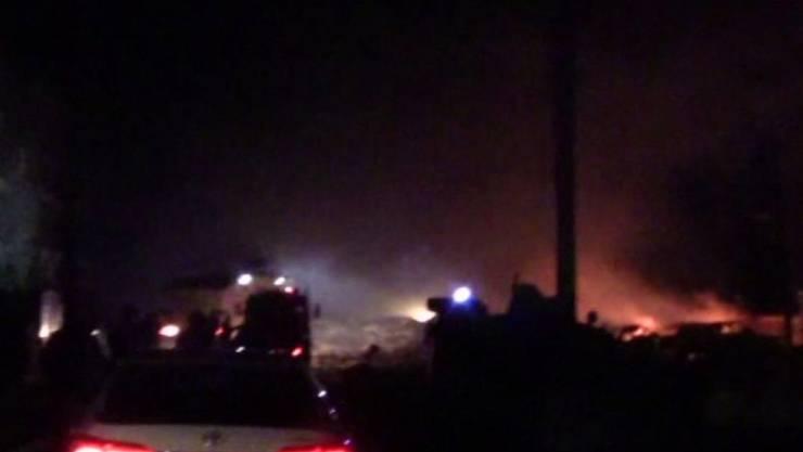 Ein Fernsehstandbild (DHA TV) zeigt die Explosion in der türkischen Stadt Viransehir nahe der Grenze zu Syrien.