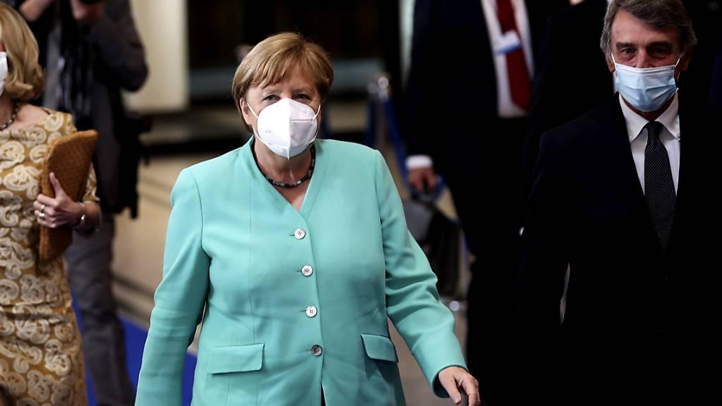 Merkel auf erster Auslandsreise seit Corona-Ausbruch