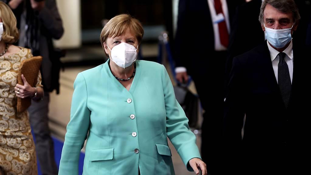 Bundeskanzlerin Angela Merkel und David Sassoli (rechts), Präsident des Europäischen Parlaments, in Brüssel.