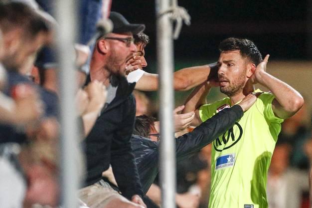 Zwei Monate später ist er beim 3:1-Sieg für alle Aarauer Tore besorgt.