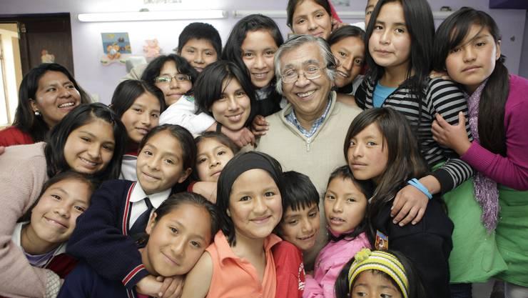 Solidaritäts- und Aufbauarbeit für interne Vertriebene und Geflüchtete in Peru: Rechtsschutz, mehrere handwerkliche Werkstätten für Kinder und Erwachsene, Strassenkinderschutzprogramme.