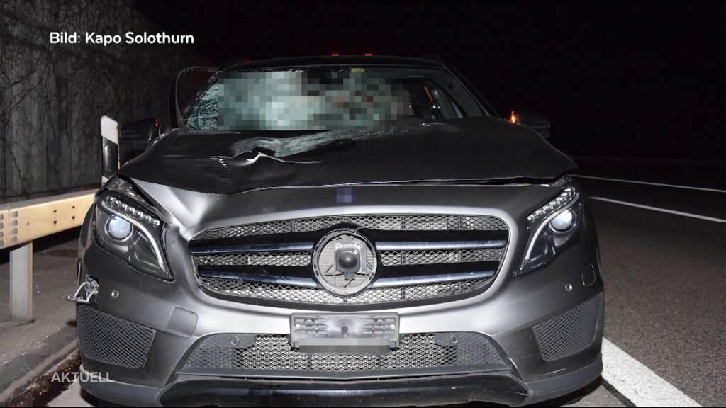 Autounfall auf der A1: Fussgänger wird von Auto erfasst