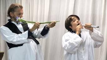 Miro Nardini (rechts) mit Lorenz Probst im Stück «Vater und Sohn».