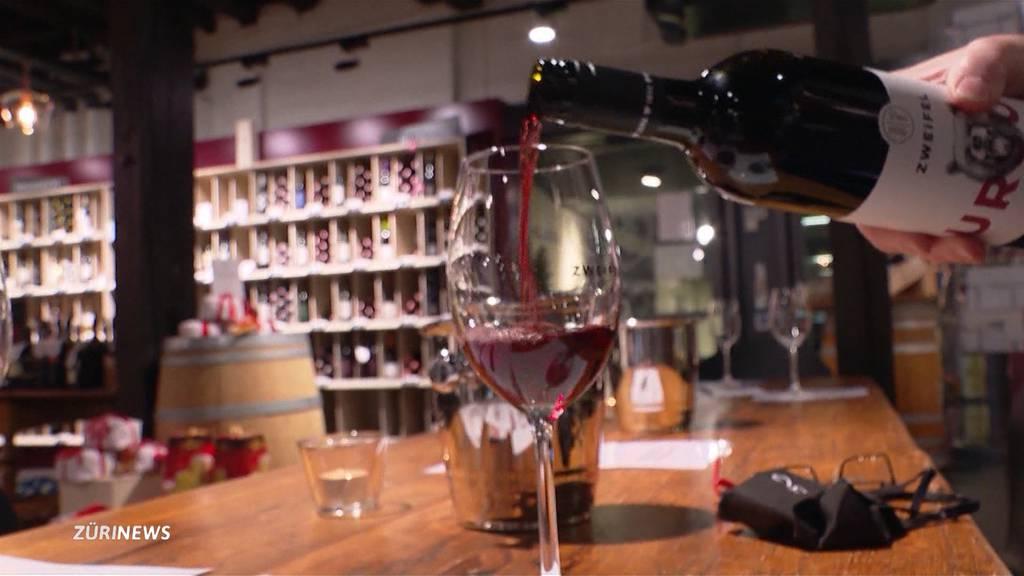 Weinversand im Hoch: Mit klirrenden Gläsern gegen den Corona-Koller