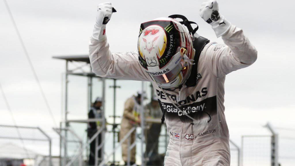 Lewis Hamilton bejubelt den Tagessieg in Austin und seinen dritten WM-Titel