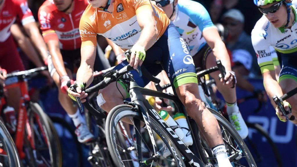 Simon Gerrans (Mitte) kontrolliert seine Gegner auf der letzten Etappe in Adelaide