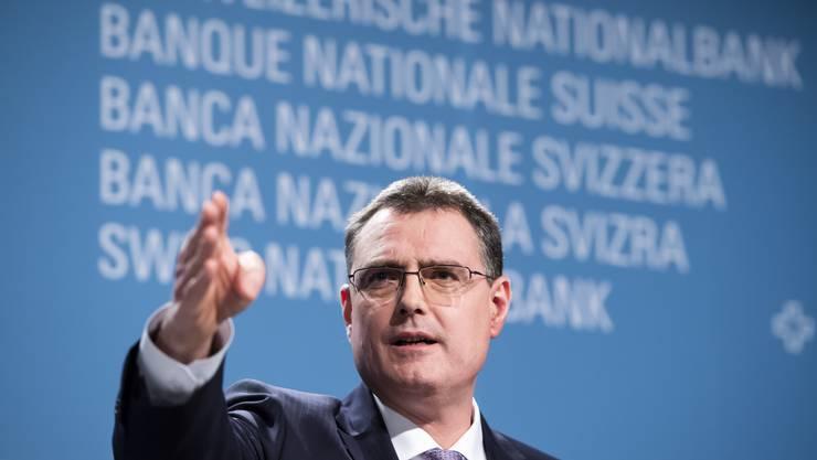 Soll Nationalbank-Chef Thomas Jordan helfen, die Finanzierungsprobleme der AHV zu lösen? (KEYSTONE/Anthony Anex)