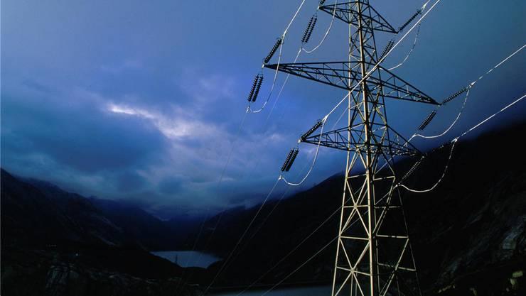 Neben den reinen Energiekosten spielen beim Strompreis die Kosten für das Netz eine wichtige Rolle.Bild: kwo