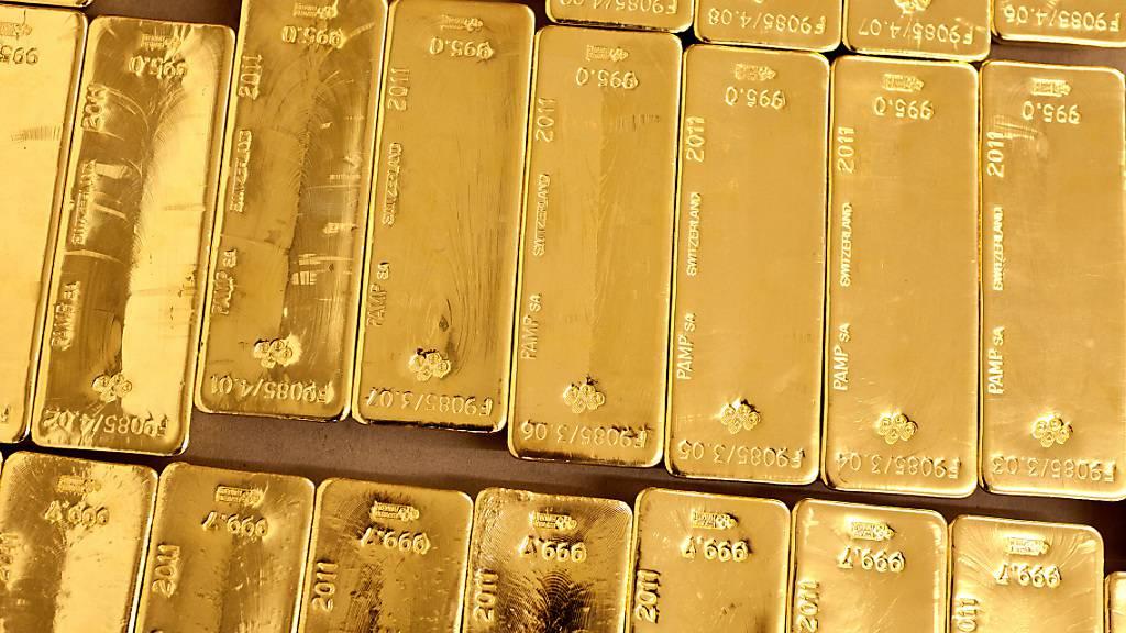 Der Goldpreis ist am Dienstag auf den höchsten Stand seit fünf Monaten geklettert. Zeitweise wurde die Feinunze (rund 31,1 Gramm) an der Börse in London für 1916,64 Dollar gehandelt. (Archivbild)