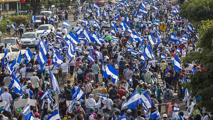 In Nicaragua haben erneut tausende Menschen gegen die Regierung protestiert.