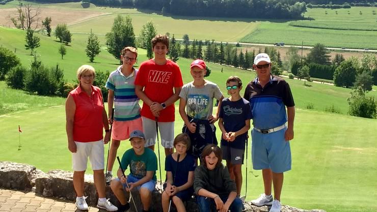 Junioren-Captain Elsbeth Frossard, Teilnehmer, Golflehrer Paul Cairns