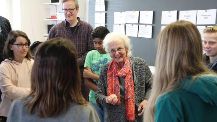 Ruth Kornfeld hat die Judenverfolgung überlebt – sie will jene Zeit auf der Flucht nicht vergessen, sondern gibt ihre Geschichten gerne an jüngere Generationen weiter.