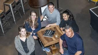 Wollen das Atlantis in die Zukunft führen: Louise Zitzer, Tanja Schmid, Lawrence Pawelzik, Leila Naas und der CEO der Parterre Gruppe, Peter Sterli.