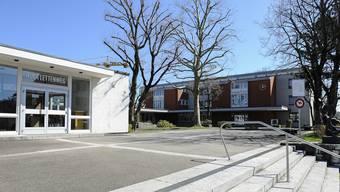Am Schulhaus Lettenweg wurde im Oktober 2016 ein Lehrer entlassen.