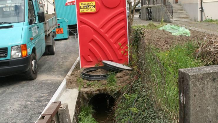 Ein Nachbar wehrte sich gegen die Öffnung des Haselbachs.(wpo)