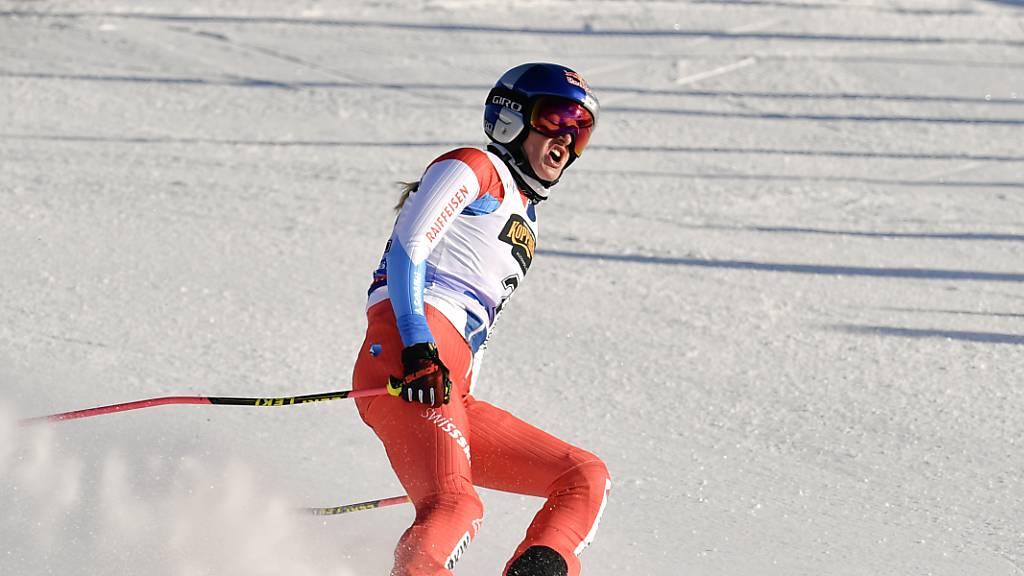 Fanny Smith holt einen weiteren Weltcupsieg und sicherte sich zum dritten Mal die Gesamtwertung der Skicrosser