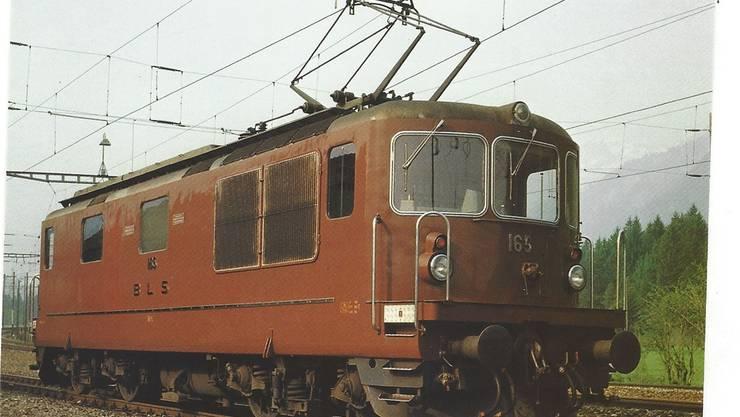 Die Lok Re 4/4 Nr. 165 – der auch die «Grenchen» angehört.
