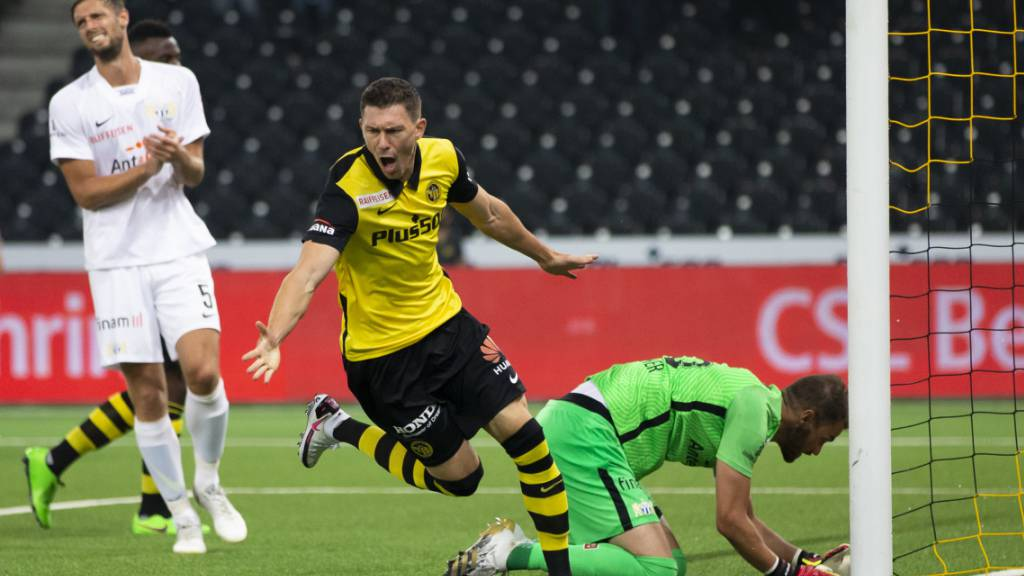 Christian Fassnacht quittiert sein 2:1 in der 69. Minute