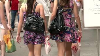 Das Sommergeschäft der Modeketten läuft gut (Archiv)