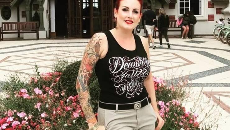 Sie erfüllt sich einen lange gehegten Traum: Die Basler Tänzerin Zoe Scarlett stellt ein Burlesque-Festival auf die Beine.