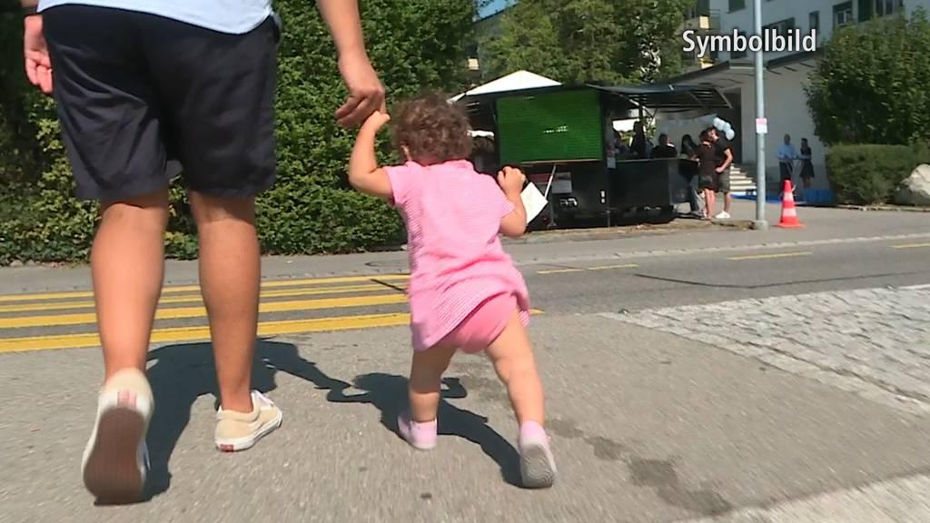 Grenchen (SO): Kind auf dem Fussgängerstreifen von Auto überrollt
