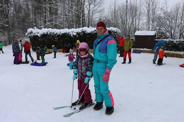 Peter Hofstetter aus Bergdietikon begleitet seine siebenjährige Tochter