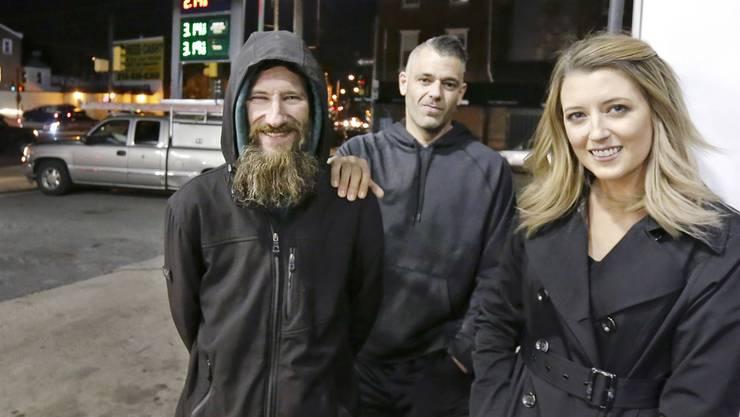 Wollten sich Spendengelder ergaunern: Kate McClure, ihr Freund Mark D'Amico (hinten) und Johnny Bobbitt.