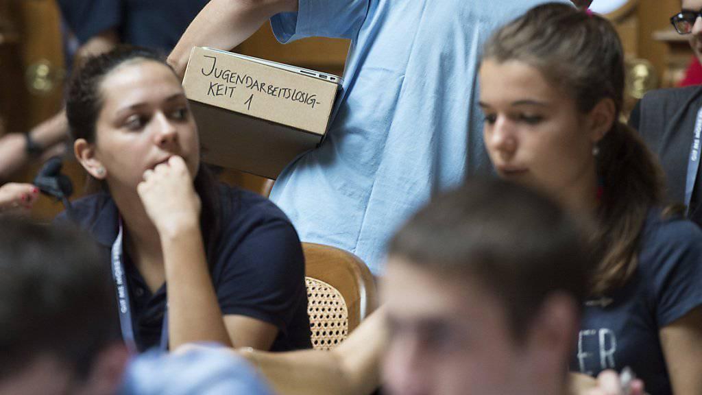 Soll mit weniger Geld auskommen und wehrt sich dagegen: die Jugendsession. (Archivbild)