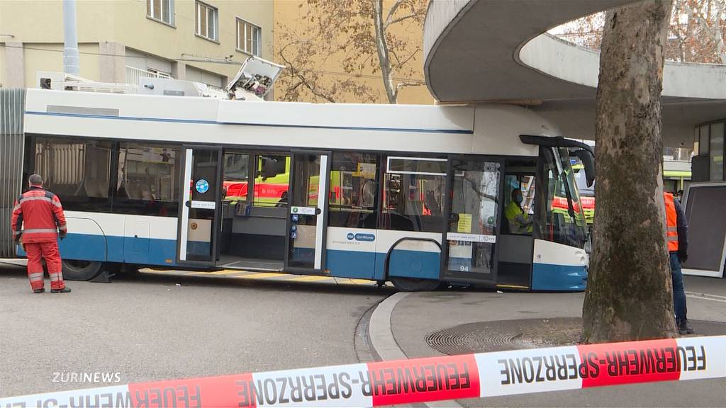 Busunfall am Limmatplatz: Mehrere Personen verletzt
