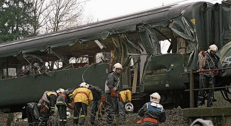 21. März 1994: Kollision mit einem Schienenkran fordert neun Todesopfer.