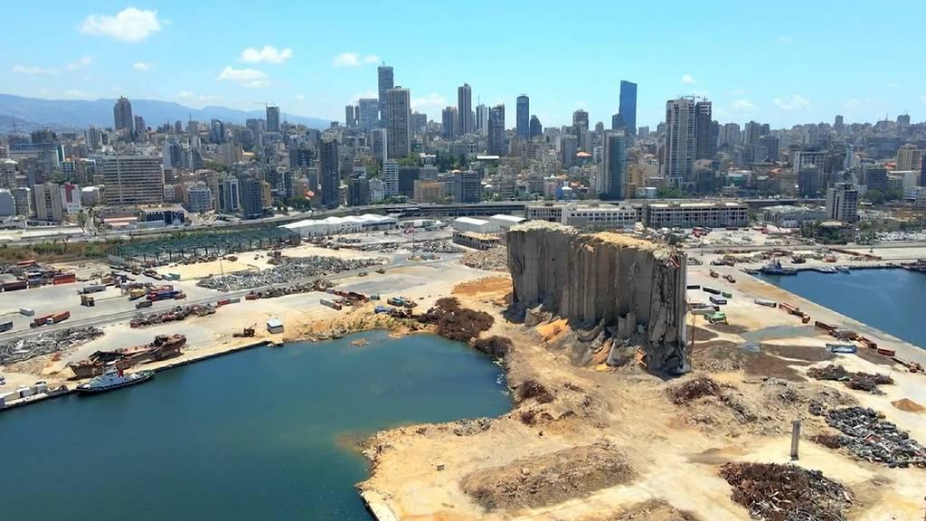 Ein Jahr nach gigantischer Explosion: So sieht der Hafen von Beirut heute aus