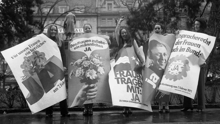 Dieses Mal sollte es klappen. Junge Frauen setzten 1971 in Zürich ein Zeichen für das Frauenstimmrecht auf Bundesebene.