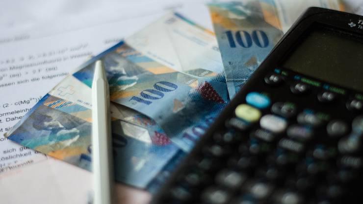 Die Aarauer Rechnung 2018 schliesst mit einem Überschuss von 15,6 Mio. Franken. (Symbolbild)