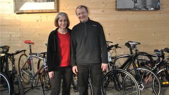 Roger und Carole Märki eröffnen in der alten Güterhalle einen Veloladen.