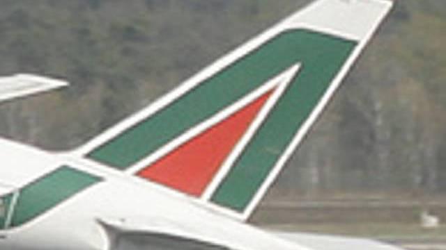 Besatzung und Passagiere konnten die Entführung eines Alitalia-Flugzeuges verhindern (Symbolbild)