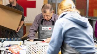 Das Rote Kreuz sucht nach jüngeren Helferinnen und Helfern. (Symbolbild)