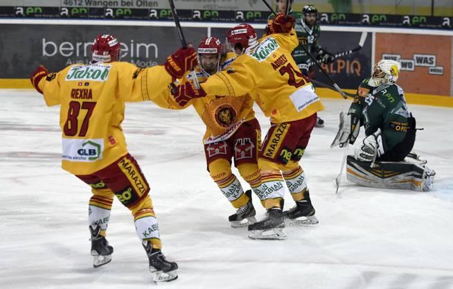 Alban Rexha (links) war ein Teil des Langnauer Teams im NLB-Playofffinal zwischen dem EHC Olten und den SCL Tigers.