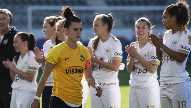 YBs Florijana Ismaili ist enttäuscht im Schweizer Fussball Frauen Cupfinal zwischen dem BSC YB Frauen und dem FC Zürich Frauen.