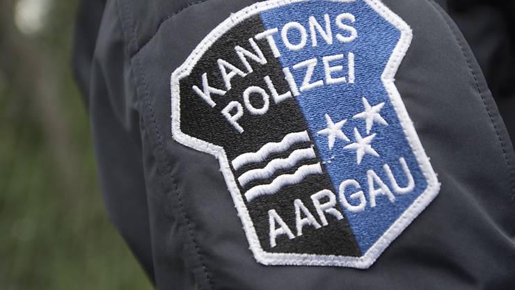 Die Aargauer Kantonspolizei sucht den mutmasslich alkoholisierten Mann, der in Wohlen eine Frau bestehlen wollte. (Symbolbild)