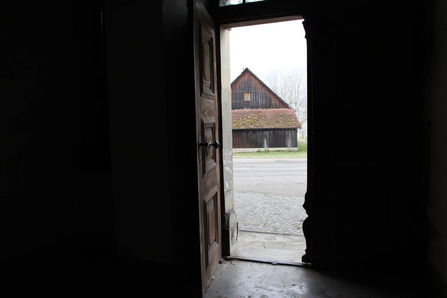 Die Tür in die Freiheit. FM1Today/Lara Abderhalden
