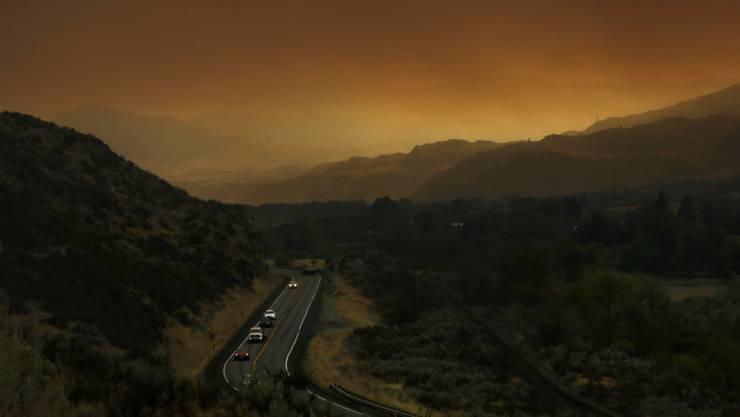 Die Okanogan-Waldbrände im US-Staat Washington haben riesige Landflächen zerstört. Das Feuer ist ausser Kontrolle.