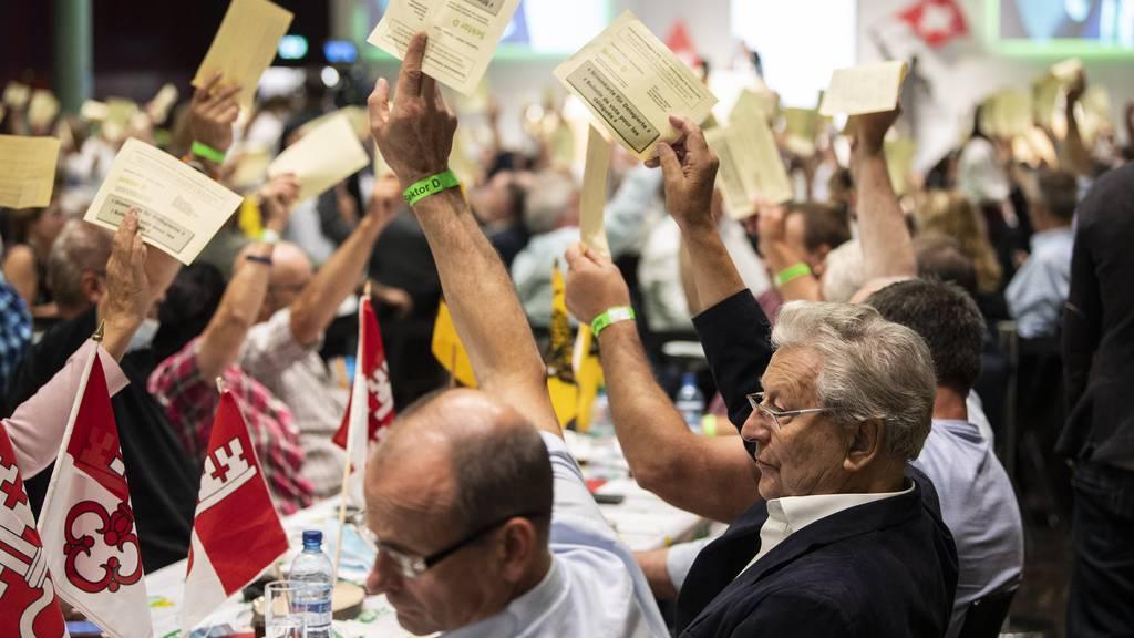 Die letzte SVP-Delegiertenversammlung fand im August in Brugg (AG) statt. Damals noch mit Publikum – und ohne Maske.