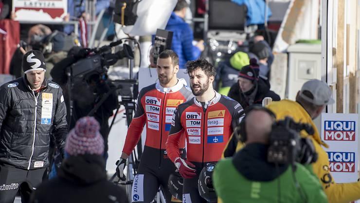 Plötzlich im Rummel des Weltcups: Bob-Pilot Michael Vogt (re.) und sein Anschieber Sandro Michel in St. Moritz
